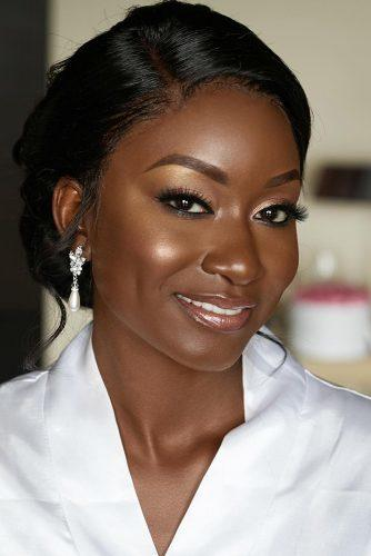 black bride makeup bronze highlighter gold eyeshadows naturel lips joyadenuga