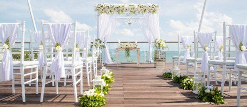 destination weddings decorations featured image