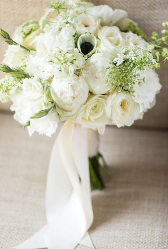 wedding bouquets 2019 tender white bouque Lilla Bello