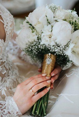 wedding bouquets 2019 white wedding bouquet annarenardaphotography