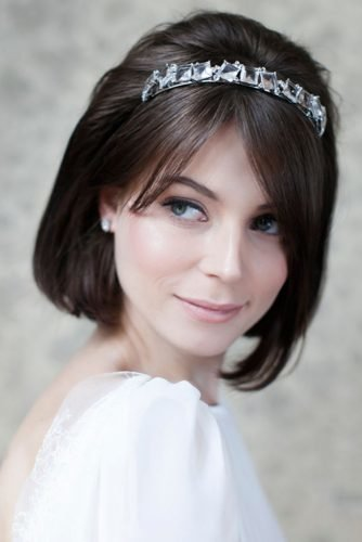 wedding hairstyles resting wavy bob with jeweled headband gisellygoncalvesfotografia