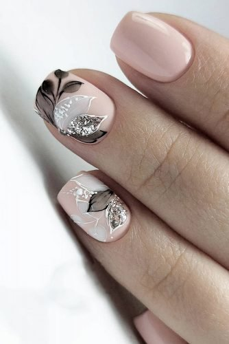 wedding nails 2019 nude black grey flowers leaves nail_marina_disign