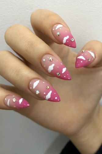 wedding nails 2019 nude pink gradient with clouds and rhinestones anmaisama