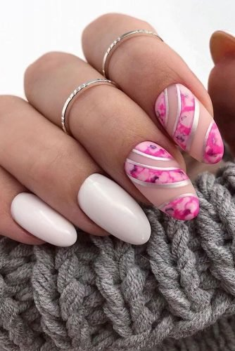 wedding nails 2019 white pink nails with flower pattern nails_masters