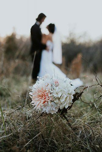 wedding photo shoot essentials at the nature Wedding flower