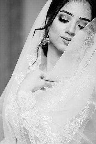 wedding photo shoot essentials woman Bride