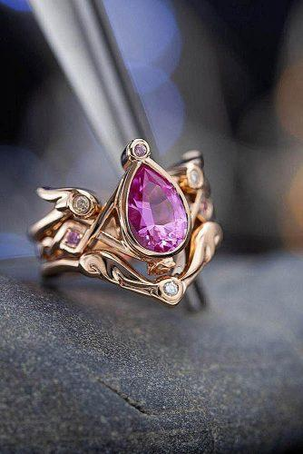 engagement ring trends 2019 sapphire pear cut gold