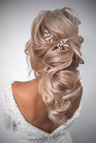 half up half down wedding hairstyles ideas long wavy blonde hair with pearls olesya_zemskova