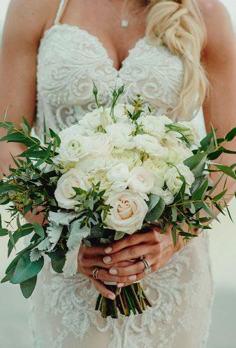 real wedding cortney luis brides bouquet Fer Juaristi photography
