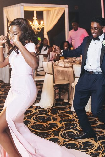 real wedding photography cindy glen bridesmaim and groomsmen on the dancefloor stanlo photography