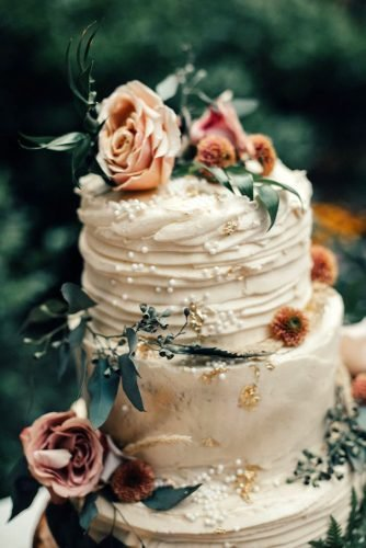 small rustic wedding cakes white buttercream with greenery and pale coral roses nomad by nk