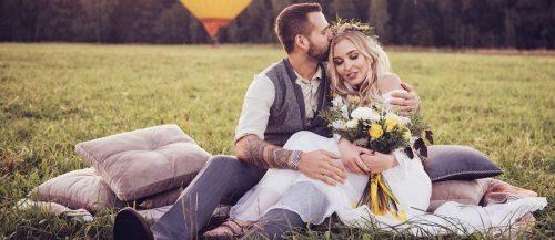 bohemian wedding photos featured image