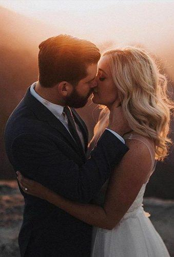 creative wedding kiss photos kiss at sunset rodolfomcartneyn