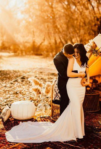 creative wedding kiss photos tender wedding couple paigeholmgrenphotography