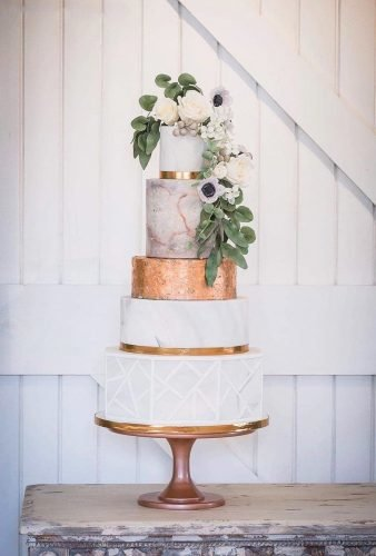 metallic wedding cake cake with flowers nordicpics