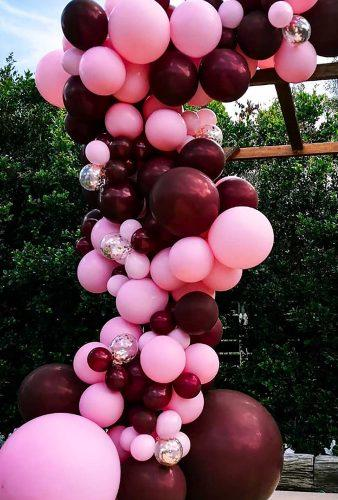valentines day wedding ideas outdoor red balloon bangbangballoons