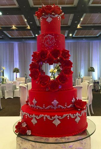 valentines day wedding ideas red cake with heart elys reposteria