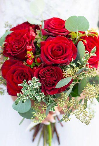 valentines day wedding ideas red wedding bouquet deniamolinaphotography