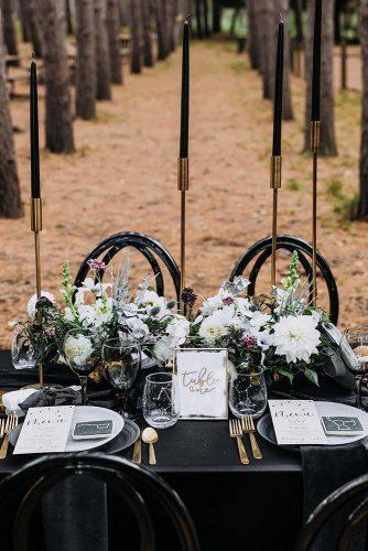 wedding decor 2019 all black reception table with gold details and white flowers bettertogetherphotowi