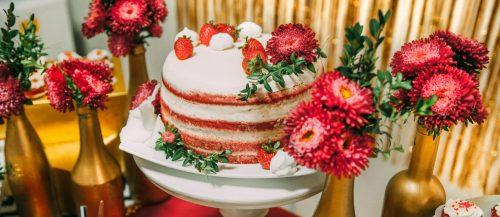Spring wedding cakes featured image