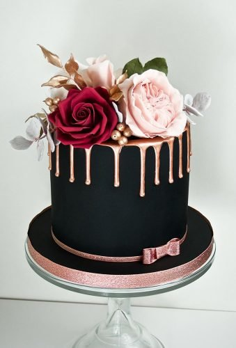 black wedding cake small cake drip gold thewhimsicalcakery