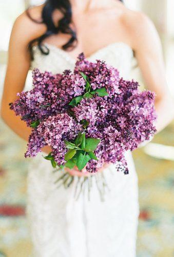 lindsay madden photography stylish wedding bouquet carmensantorelliphotography
