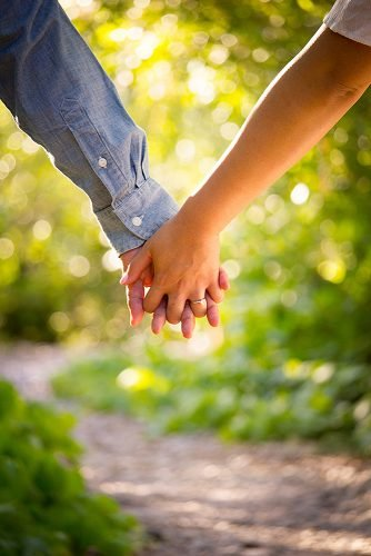 most romantic songs for her couple hoilding hands