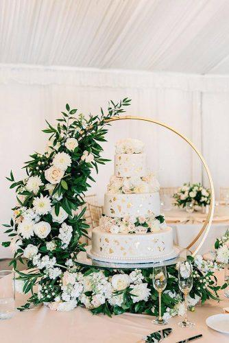 spring wedding decor flowers white roses and greenery installation for cake annaperevertaylo