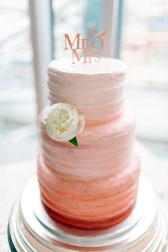 wedding trends 2019 ombre coral buttercream bridal cake with flower sarah jane ethan photography