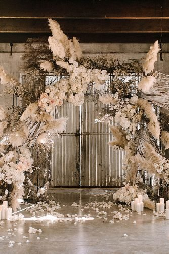 wedding trends pampas grass wedding arch