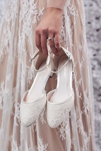 comfortable wedding shoes flat lace white sayyestothedres