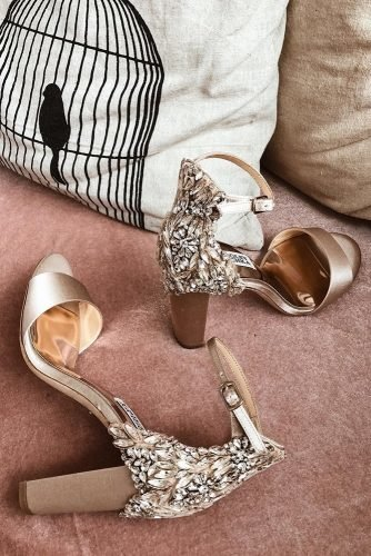 comfortable wedding shoes low heels with crystal gold badgley mischka