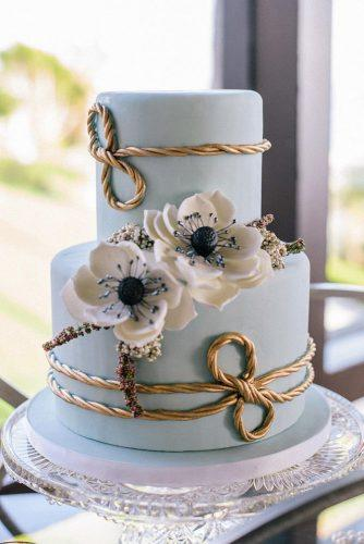 nautical wedding small blue with white flowers and golder rope krista mason photography