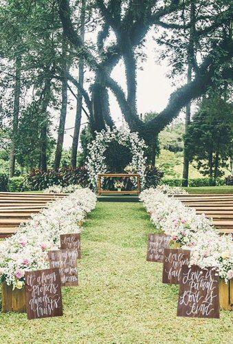 outdoor wedding venues barn aisle MulberryMarketDesign