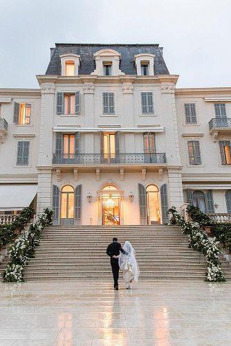 wedding photographers amazing architecture newlyweds aarondelesie