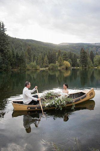 wedding photographers romantic couple in the boat aarondelesie
