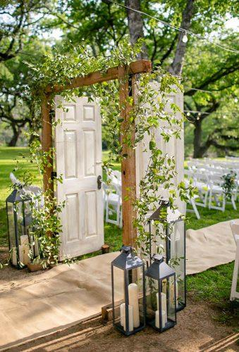 whimsical wedding decor ideas door arch josevilla