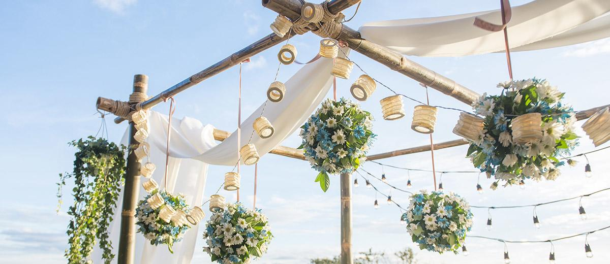 natural wedding decor featured