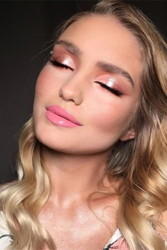 simple wedding makeup bright pink lins peach eyeshadows yana_panfilovskaya