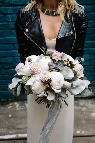 summer wedding trends bridal bouquet with white peonies and pink dahlias berrias and grey ribbon mila_cacao