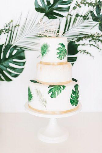 tropical wedding cake trends elegant tropical cake Frl. K sagt Ja