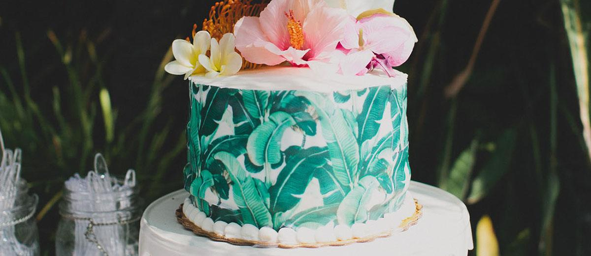 tropical wedding cake trends featured image