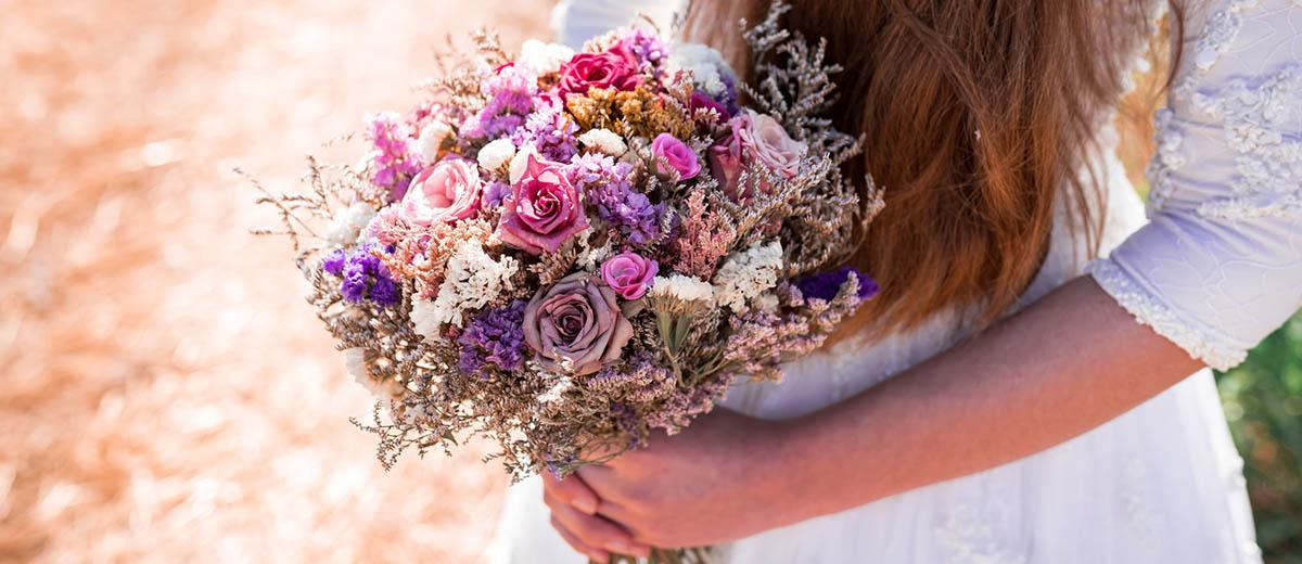 wedding dried flowers bouquets featured image