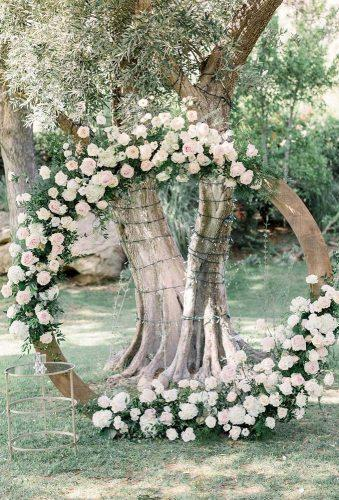 wedding floral moon gates bride near moon arch lucasrossiphoto