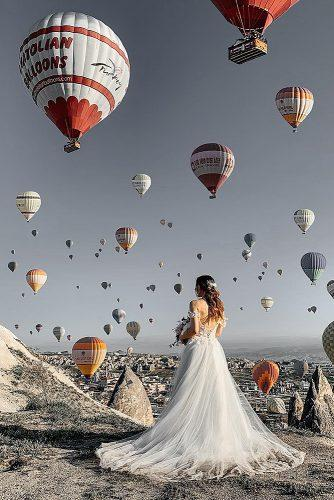 cappadocia wedding photos gorgeous bride in front of balloons