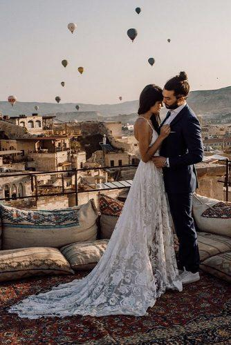 cappadocia wedding photos romantic couple in the roof