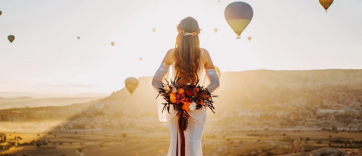 cappadocia wedding day photos wedding photo with balloons