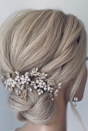 classic-wedding-hairstyles-low-updo-with-silver-pin-kimannesley.hair