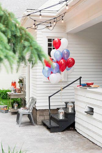 independence day wedding 4th of july blue white and red balloons simple outdoor decor alice g patterson