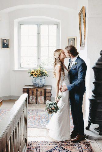 real wedding schloss kronburg in memmingen wedding kiss ytzweddings